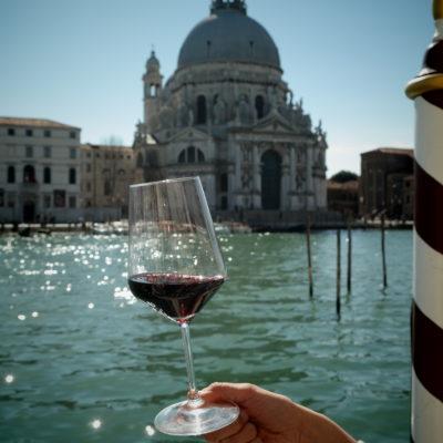 gradito l'abito rosso venezia